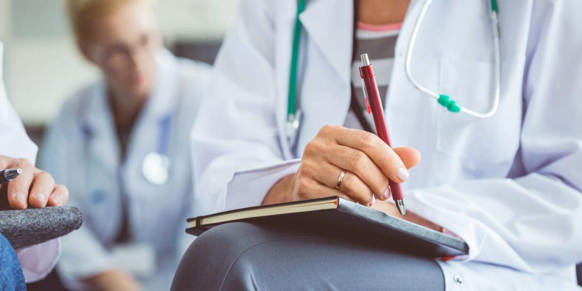مدارک مورد نیاز برای تحصیل پزشکی با مدرک دیپلم